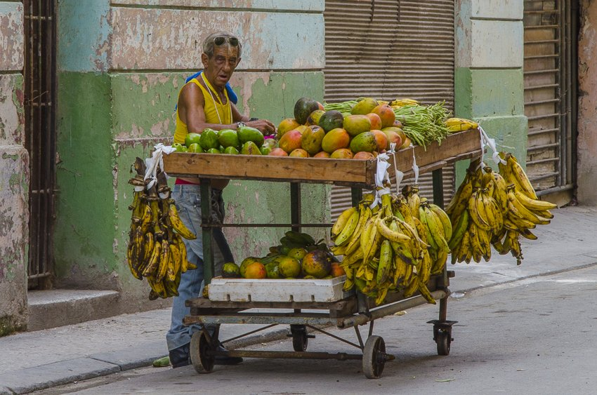 Fruit seller, Havana - people